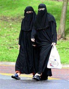 burqa-clad-muslim-women_246
